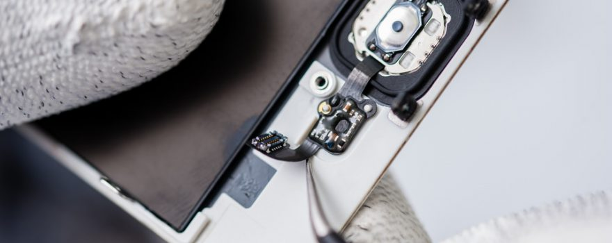 Výměna tlačítek a senzorů iPhone